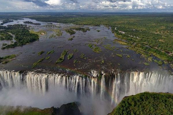 Reiseziele in Afrika - Die Victoriafälle des Sambesi