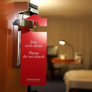 """""""Bitte nicht stören"""" im Hotelzimmer"""