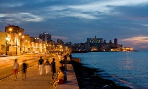 Uferpromenade Malecon am Abend