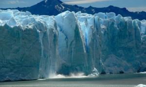 Eis bricht aus dem Perito Moreno