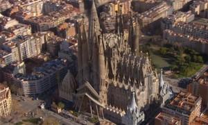 Die Sagrada Familia aus der Luft